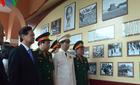 Thủ tướng dâng hương tại bảo tàng Hồ Chí Minh