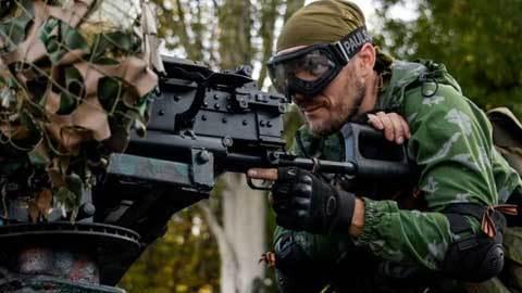 Thế giới 24h: Lính Ukraina