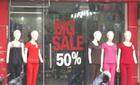 Đồ hiệu, giảm giá 70% vẫn ế