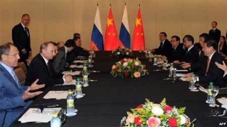 Nga, Trung Quốc, khủng hoảng Ukraina