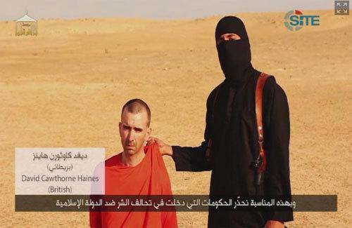 Con tin thứ 3 trong video giết nhà báo Mỹ là ai?