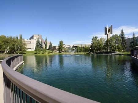 20140903171543 4 Điểm danh các khuôn viên đại học tuyệt đẹp tại Canada