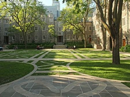20140903172428 7 Điểm danh các khuôn viên đại học tuyệt đẹp tại Canada