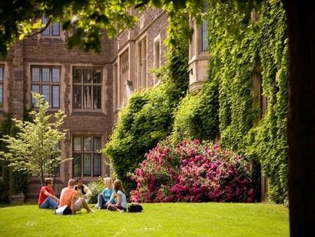 20140903173205 14 Điểm danh các khuôn viên đại học tuyệt đẹp tại Canada