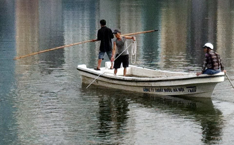 Hà Nội: Vớt xác nam thanh niên tự tử tại hồ Xã Đàn