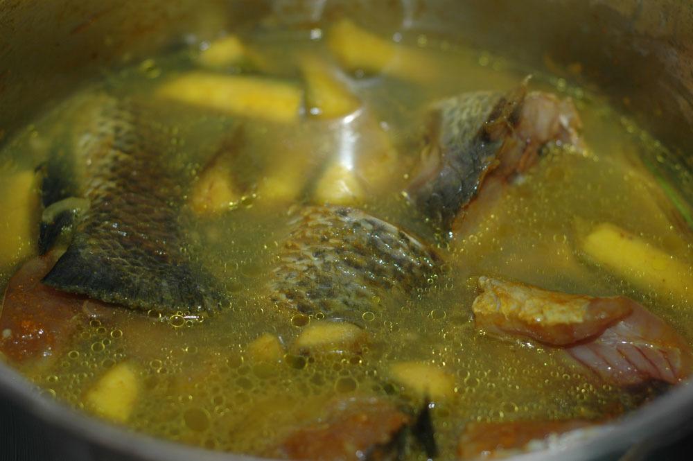 canh cá, chuối đậu