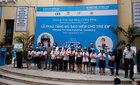 Trao tặng gần 2.000 MBH đạt chuẩn cho học sinh tiểu học