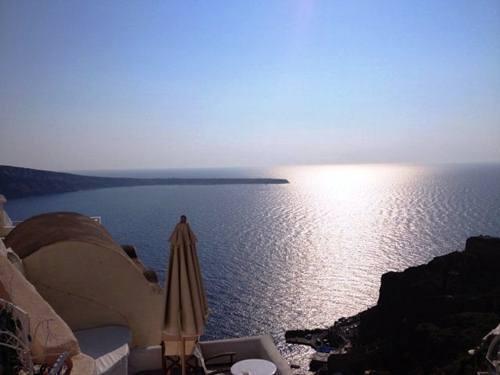 9 bức ảnh khiến bạn muốn tham dảo Santorini - Hy Lạp