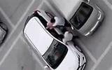 10 clip 'nóng': Thiếu nữ bị đánh dã man vì đỗ ô tô sai chỗ