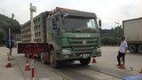 Vì sao xe quá tải đi nghênh ngang ở Thanh Hóa, Ninh Bình?