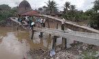 Cầu bị sập xuống sông: Đập bỏ, làm cầu mới