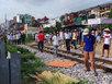 Hà Nội: Người phụ nữ bị tàu kéo lê hàng chục mét