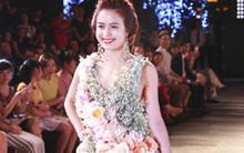 Hoàng Thùy Linh mặc chiếc váy đắt tiền và kỳ lạ