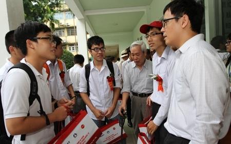 Kể chuyện học sinh Việt thi Toán quốc tế
