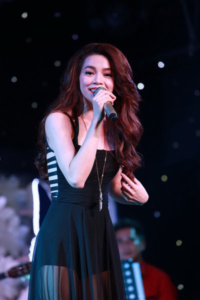 Showbiz Việt bát nháo vì người mù nhạc