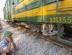 Tàu hỏa gãy trục khi đang chạy, đường sắt tê liệt nhiều giờ