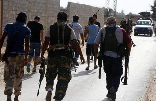 Nhiều máy bay bí ẩn oanh kích thủ đô Libya