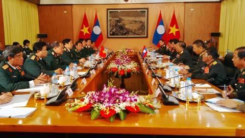 Việt - Lào tăng cường hợp tác quốc phòng