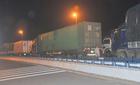 Hơn 50 xe chở quá tải lợi dụng đêm tối vượt trạm cân