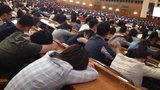 TQ: Giáo sư 92 tuổi giảng bài, sinh viên ngủ la liệt