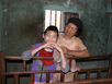 Người mẹ nghèo nuôi con khuyết tật, mẹ già trọng bệnh