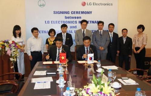 LG hợp tác với ĐHQG Hà Nội đào tạo nhân lực công nghệ cao