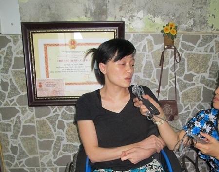 Xót xa với 'cảnh đời tàn tật' của nghệ sĩ xiếc Tuyết Hoàn