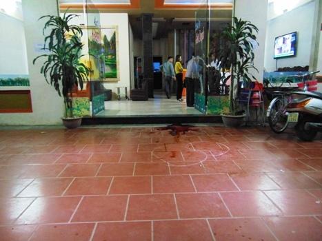 Một nữ sinh bị đâm chết trong quán karaoke