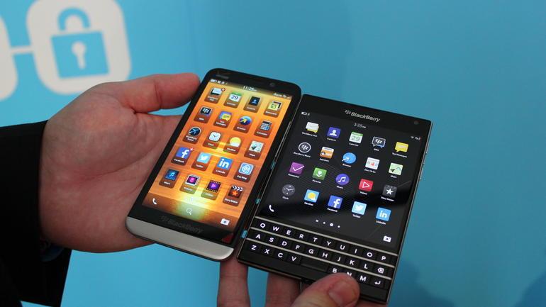 BlackBerry Passport chính thức lên kệ từ 24/9, giá 12,6 triệu