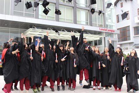 Làm bằng đại học quốc tế Sài Gòn chất lượng cao