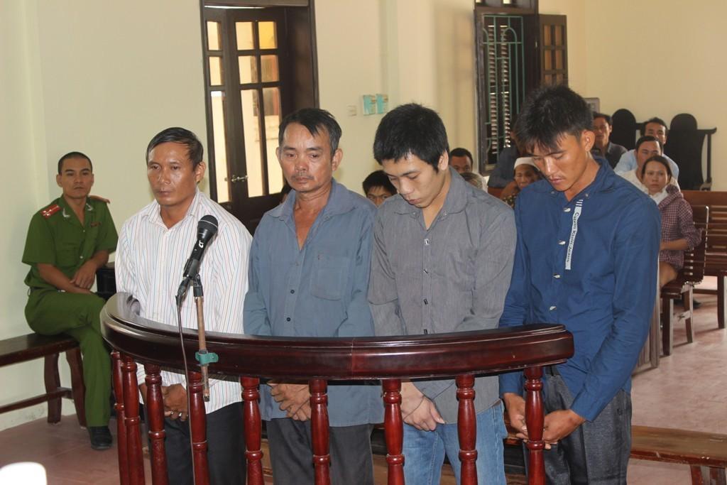 Bắt nhốt công an, 4 đối tượng lĩnh án 105 tháng tù