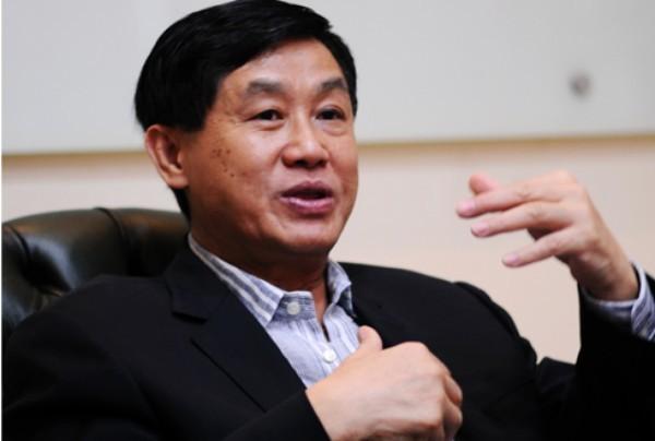 Câu thần chú buôn may bán đắt của bố chồng Hà Tăng