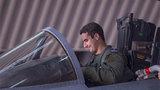 Hoàng tử Ảrập đẹp trai lái máy bay đánh IS