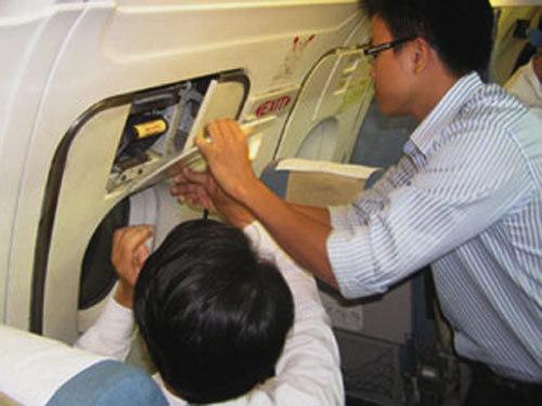 """Sự 'hồn nhiên đáng sợ"""" của người Việt đi máy bay"""
