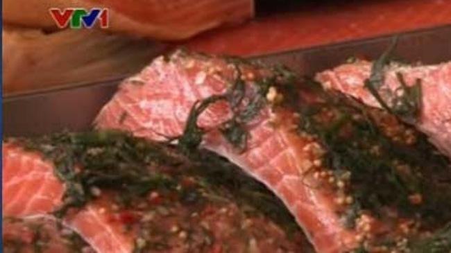 Phát hoảng đặc sản cá hồi chứa nhiều chất ung thư