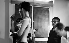 Người mẫu Việt lại khỏa thân vì body painting