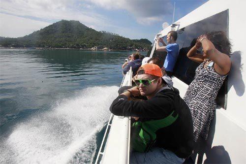 Thái Lan yêu cầu du khách đeo vòng nhận dạng