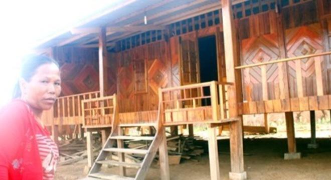 nhà-gỗ, biệt-thự, đền-bù, đại-gia, miền-núi, vay-nợ