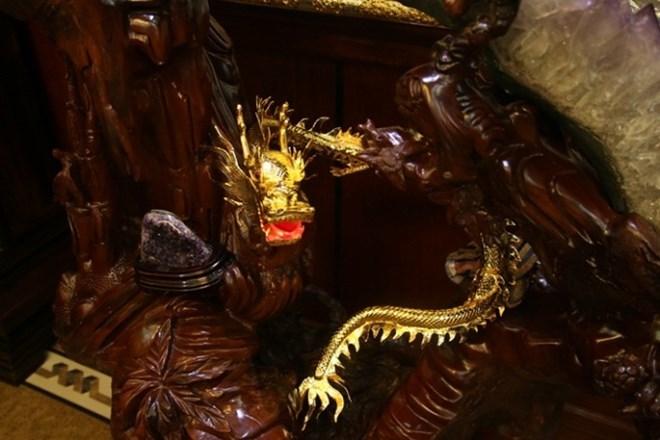 Những 'con vật' mạ vàng 'nhảy múa' trong nhà đại gia Việt 8