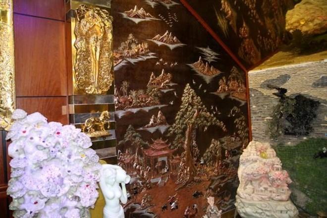 Những 'con vật' mạ vàng 'nhảy múa' trong nhà đại gia Việt 9
