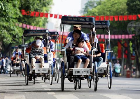 Khách quốc tế 'nói thật lòng' về Hà Nội