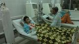 Cha hiến thận cứu con, nhưng không có tiền phẫu thuật cấy ghép