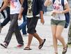 Hàng loạt đại học cấm quần jeans, váy mỏng, dép lê
