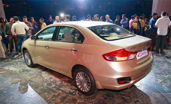 Ô tô Suzuki 242 triệu khiến Vios, Honda City 'tắt điện'