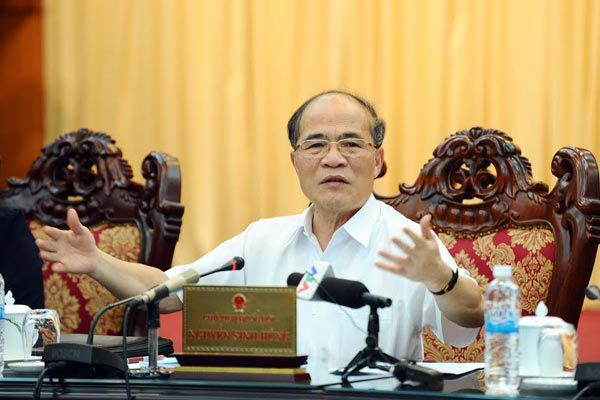 Chủ tịch QH, Nguyễn Sinh Hùng, ngân sách,  bội chi, tín dụng, nợ xấu, thuế, lương