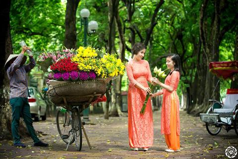 Kỳ Duyên, Thanh Lam, Mỹ Linh, Hồng Quế, Quyền Linh,