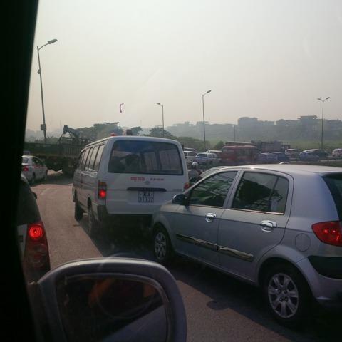 Hà Nội: Xe cứu thương bỏ mặc người bị nạn?