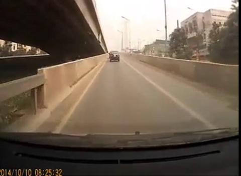 ôtô, ngược đường, một chiều, Khuất Duy Tiến
