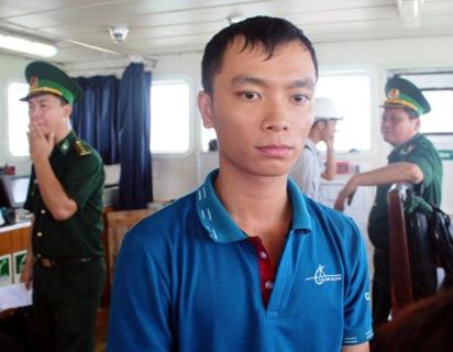 Cướp biển, tiếng Indonesia, hút thuốc lá, Việt Nam, tàu Sunrise 689, vũ trang