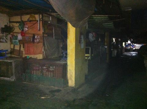 chợ Thành Công, tiểu thương, bãi thị, trung tâm thương mại...